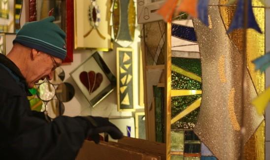 Hannun varastossa oli tiffanylasinäyttely